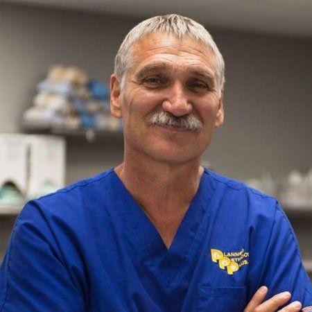 Biografía del Dr. Jeff Young