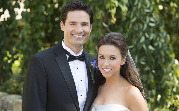 Lebt der Star der mittleren Mädchen, Lacey Chabert, glücklich mit ihrem Ehemann David Nehdar und ihrem Kind? Einzelheiten