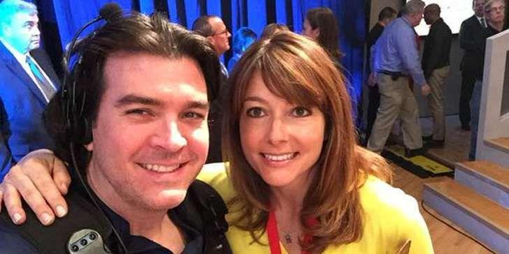 Wie glücklich ist das Eheleben von ABC7s Anker Rob Elgas? Lernen Sie hier ihre Familie kennen!